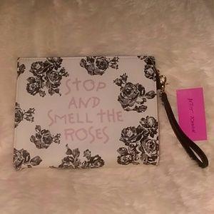 NWT Betsey Johnson Floral Rose Print Wristlet Clut